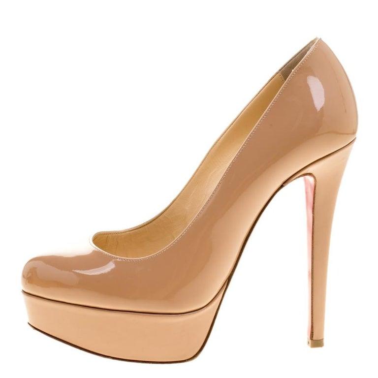 Women's Christian Louboutin Beige Patent Leather Bianca Platform Pumps Size 35.5 For Sale
