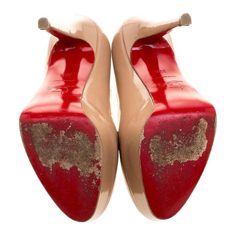 Christian Louboutin Beige Patent Leather Bianca Platform Pumps Size 35.5 For Sale 2