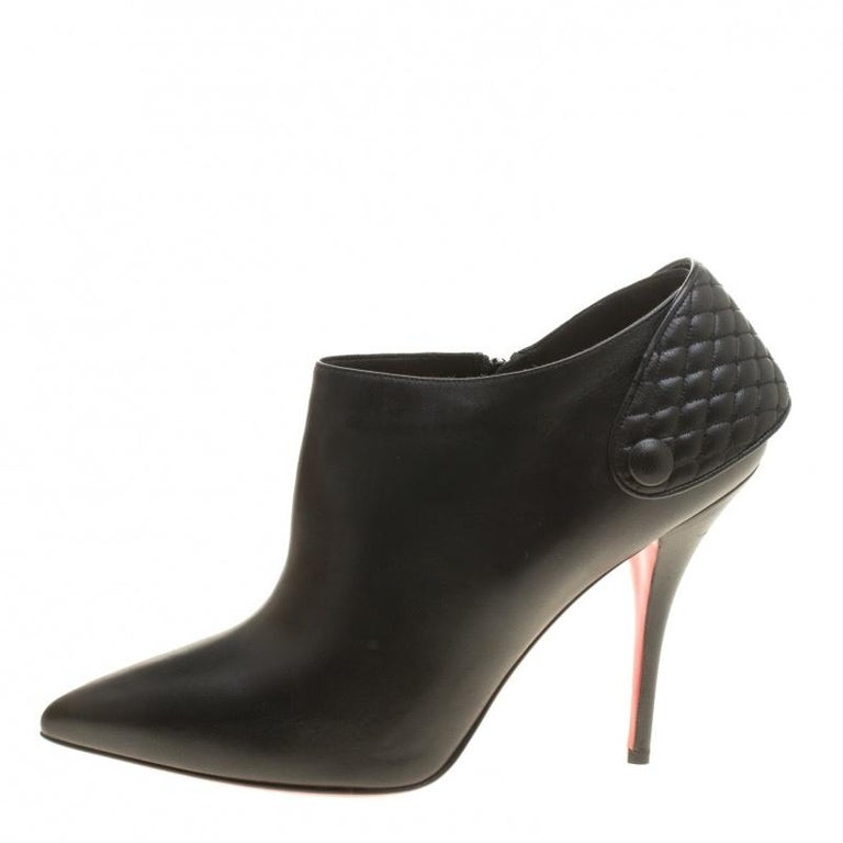 Christian Louboutin Black Leather Huguette Pointed Toe Ankle Booties Size 41 For Sale 1