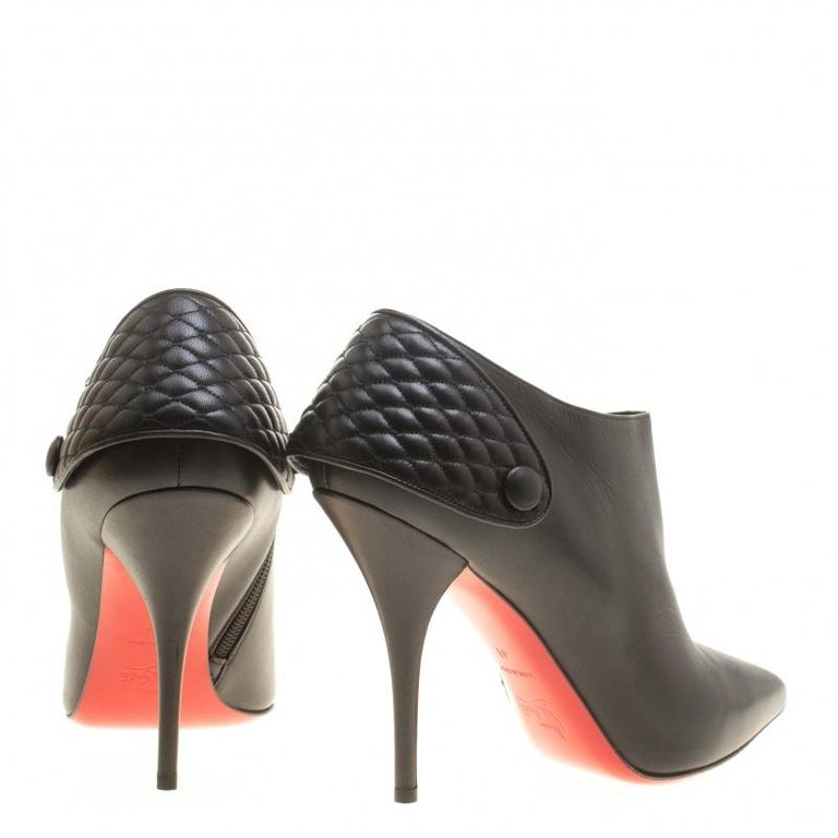 Christian Louboutin Black Leather Huguette Pointed Toe Ankle Booties Size 41 In New Condition For Sale In Dubai, AE