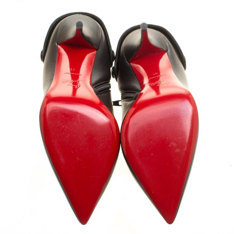 Women's Christian Louboutin Black Leather Huguette Pointed Toe Ankle Booties Size 41 For Sale