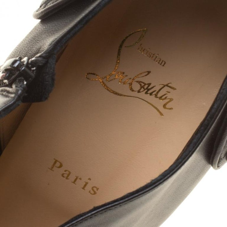Christian Louboutin Black Leather Huguette Pointed Toe Ankle Booties Size 41 For Sale 3
