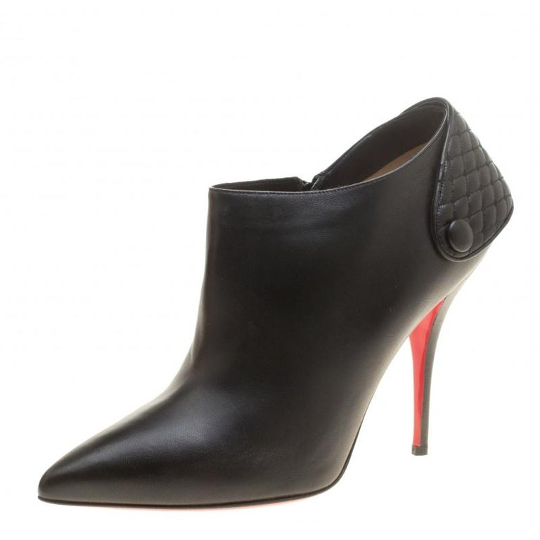 Christian Louboutin Black Leather Huguette Pointed Toe Ankle Booties Size 41 For Sale