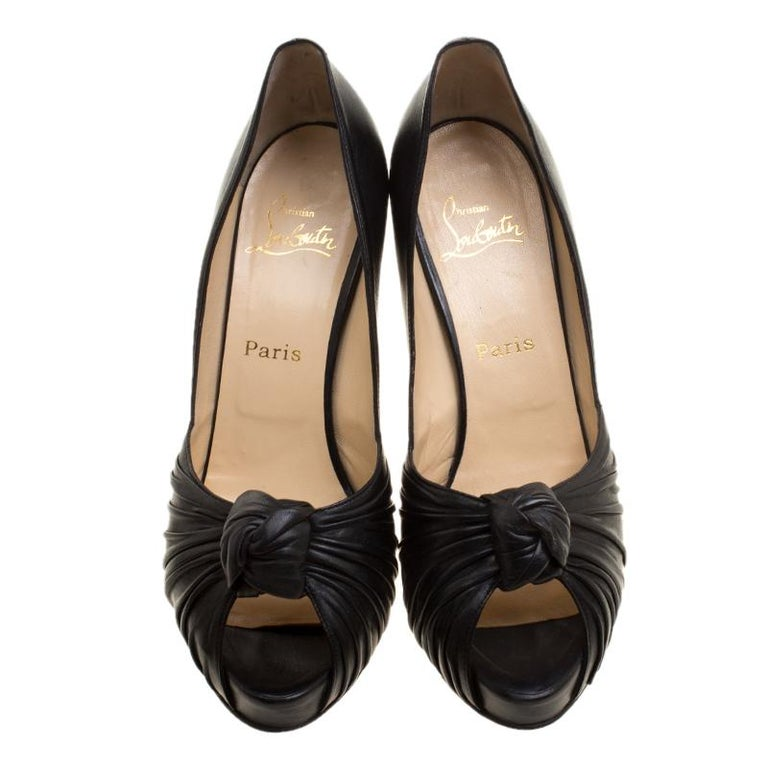 Christian Louboutin Black Leather Lady Gres Peep Toe Platform Pumps Size 42 In Good Condition For Sale In Dubai, AE