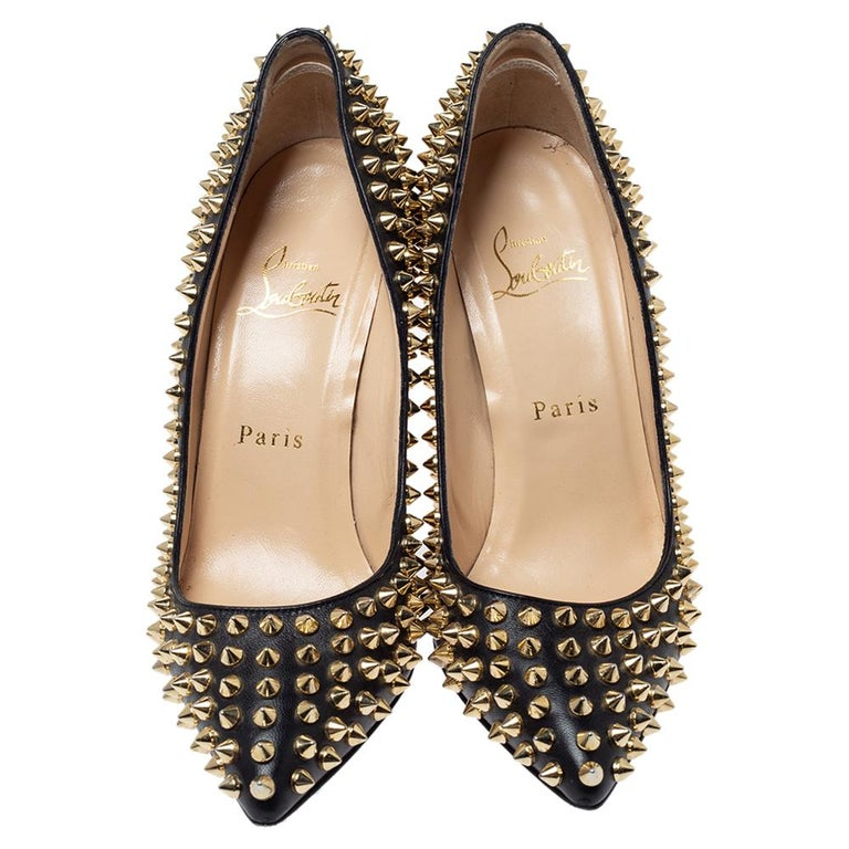 Christian Louboutin Black Leather Pigalle Spikes Pointed Toe Pumps Size 36.5 In Good Condition For Sale In Dubai, Al Qouz 2