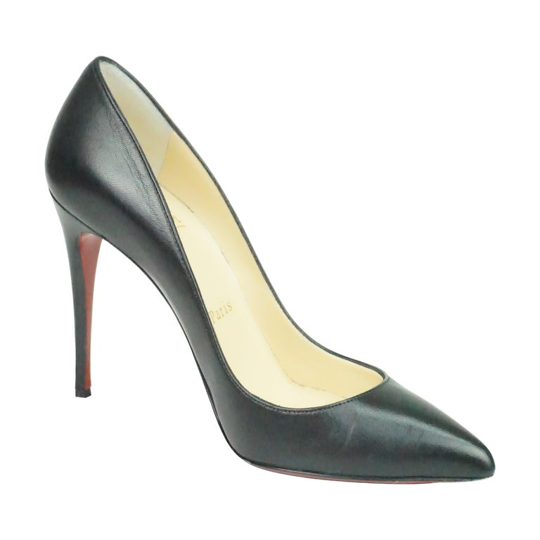 Christian Louboutin Black Leather Pumps w/ Pointed Toe - 36.5 For Sale
