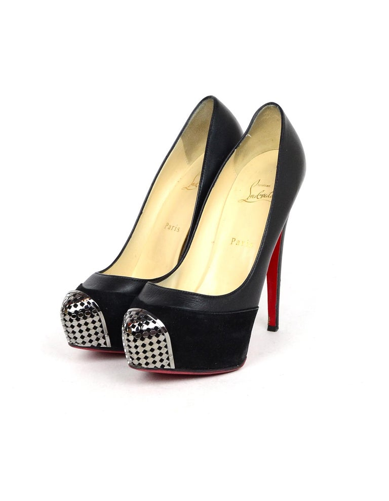 Christian Louboutin Black Leather/Suede Maggie 160 Pump VIP Chain Sz 38.5 In Excellent Condition For Sale In New York, NY