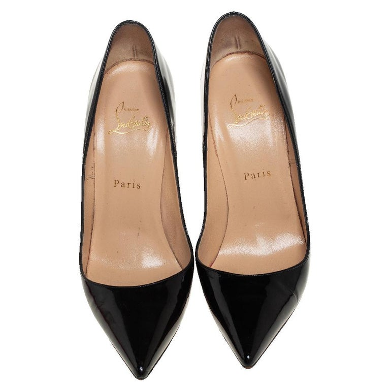 The minimal and timeless design of these So Kate pumps makes them so covetable. Named after supermodel Kate Moss, they are made from patent leather into a sleek pointed-toe silhouette. These pumps are elevated on stiletto heels to reveal the