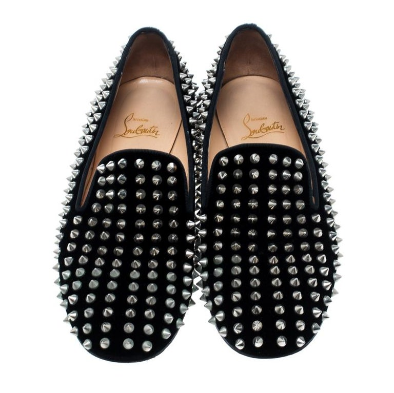 Christian Louboutin Black Velvet Rollerboy Spikes Flat Size 39 In Good Condition For Sale In Dubai, AE