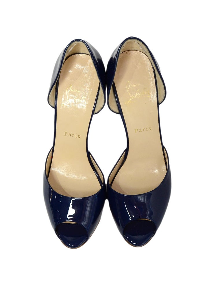 Christian Louboutin Blue Madame Claude 120 Patent Peep-Toe Pumps sz 39.5 rt $795 In Excellent Condition For Sale In New York, NY