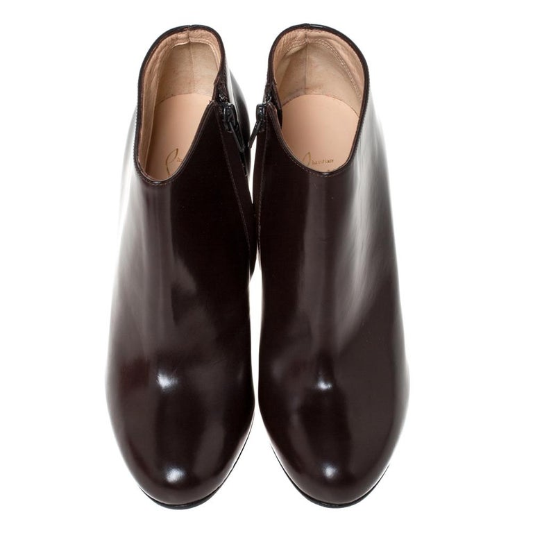 Christian Louboutin Brown Leather Ankle Booties Size 38 In Good Condition For Sale In Dubai, Al Qouz 2