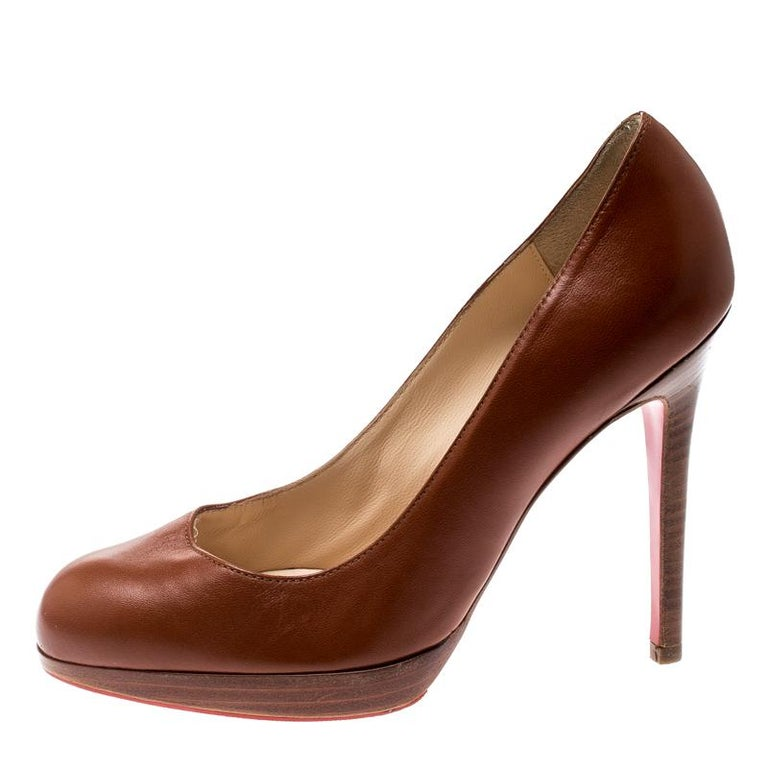 Lend an uber-chic look to your ensemble in this pair of luxuriously crafted leather pumps. Christian Louboutin is known for its classy yet simple designs. This pair of brown pair is a fine blend of class and subtlety and it will add a touch of