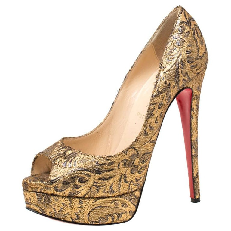 Christian Louboutin Gold Brocade Fabric Lady Peep Toe Platform Pumps Size 38.5 For Sale