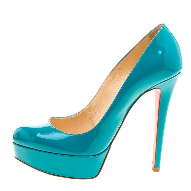 Adding a beautiful pair of Christian Louboutin pumps gets you ready to look your stylish best, and these Bianca platform pumps are perfect for those day time parties and events. Constructed in green patent leather, these pumps feature beige leather