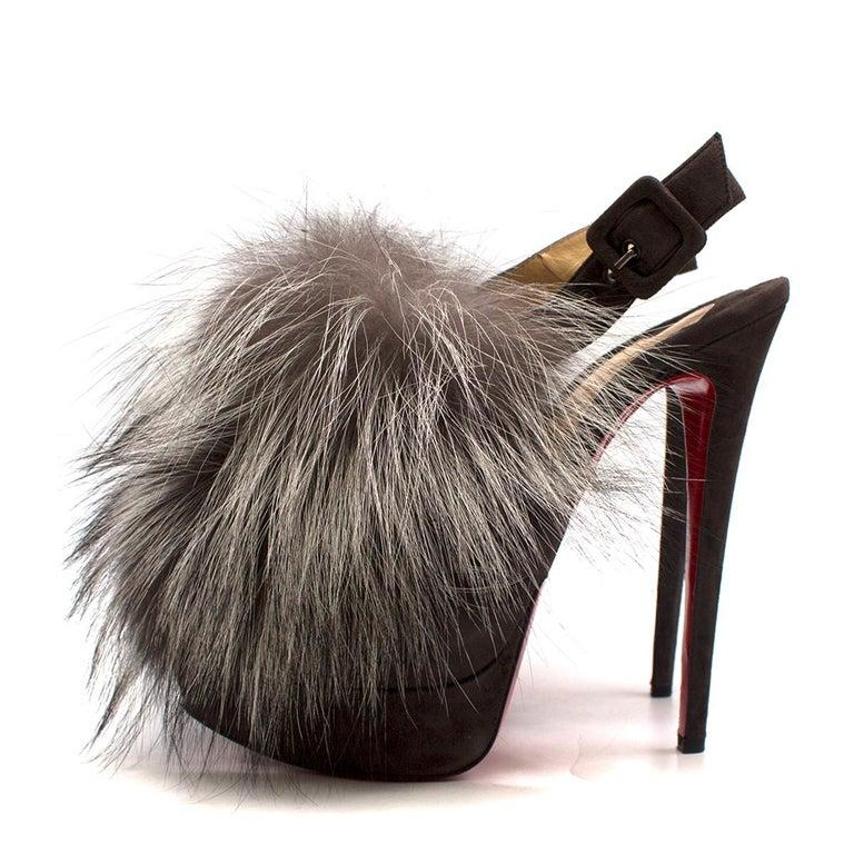 Christian Louboutin Grey Fox Fur Splash Slingback Heels US 8.5 In Good Condition For Sale In London, GB