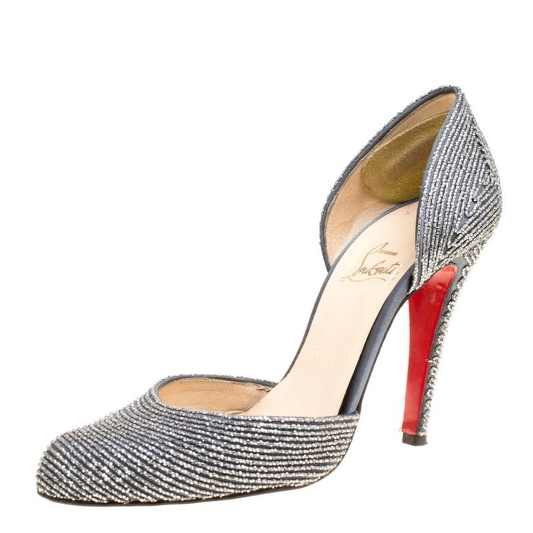 474898e1ef40 Christian Louboutin Grey Textured Satin Labyrinth D orsay Pumps Size 39 For  Sale