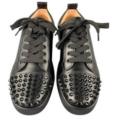 CHRISTIAN LOUBOUTIN Louis Junior Spikes Size 9 Black Leather Lace Up Sneakers