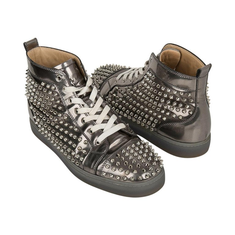 Christian Louboutin Men's Sneakers Louis Flat Antispecchio Spike 43 / 10  In Good Condition For Sale In Miami, FL