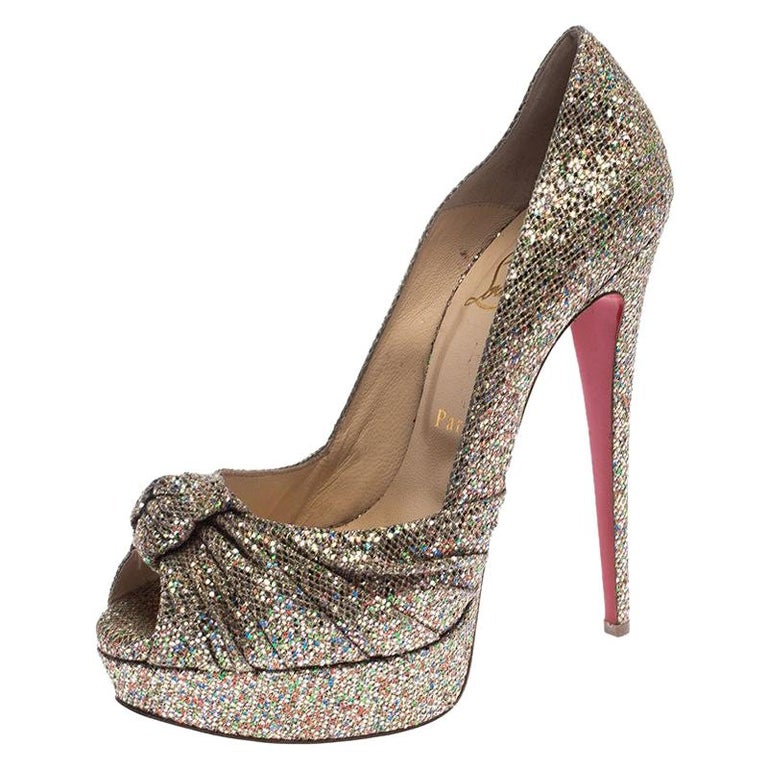 Christian Louboutin Metallic Gold Glitter Fabric Knotted Peep Toe Pumps Size 39 For Sale