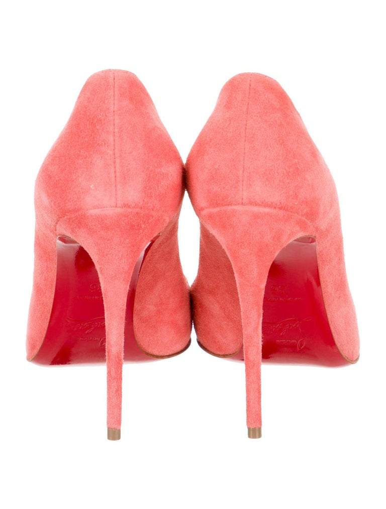 Women's Christian Louboutin NEW Coral Suede Leather Pumps Heels in Box For Sale