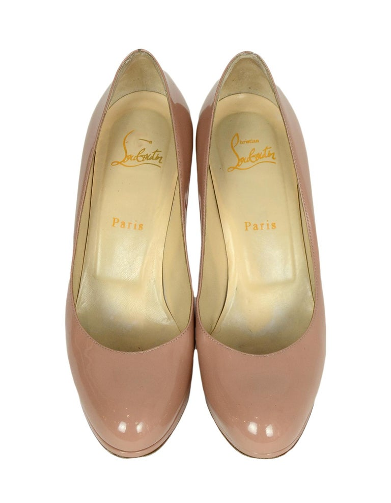 Christian Louboutin Nude Patent Leather New Simple 100 Pumps sz 38.5  rt. $795 In Good Condition For Sale In New York, NY