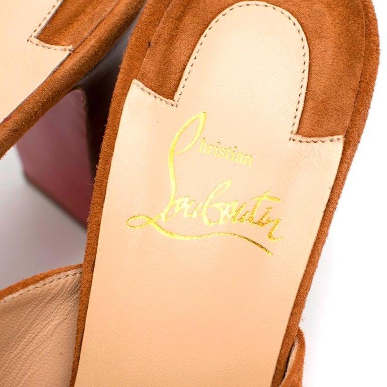 Women's Christian Louboutin Tan 100 Suede Platform Mules 39 For Sale