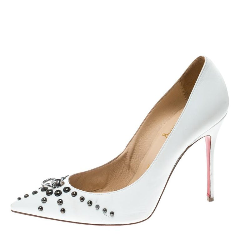 Christian Louboutin White Leather Door Knock Studded Pumps Size 39 For Sale 1