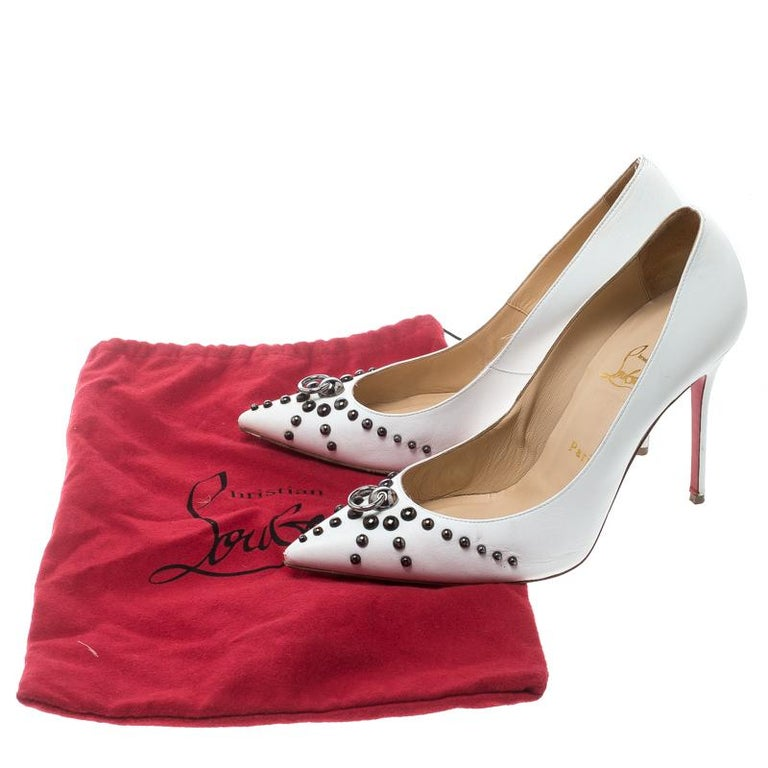 Christian Louboutin White Leather Door Knock Studded Pumps Size 39 For Sale 4
