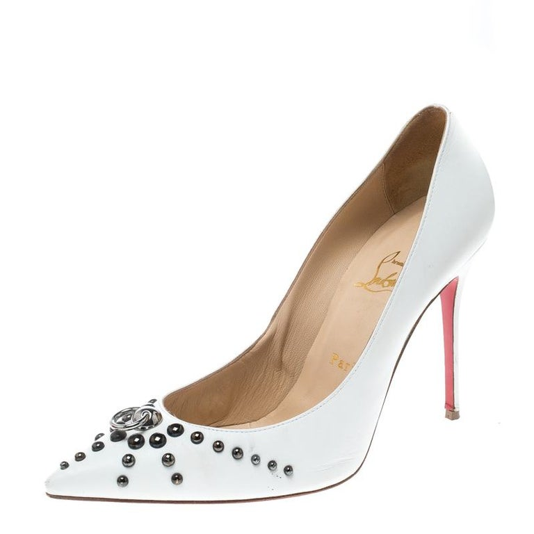 Christian Louboutin White Leather Door Knock Studded Pumps Size 39 For Sale