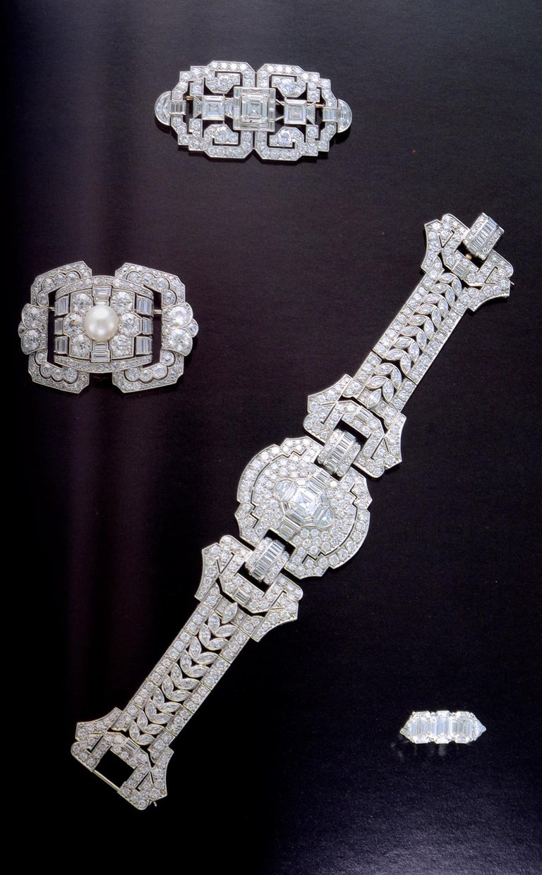 Christie's Auction New York Important Jewels December 8, 1993 #7806 For Sale 9