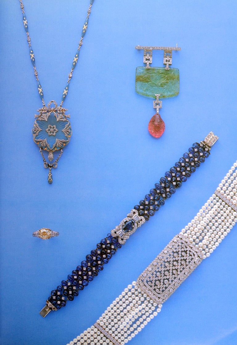 Christie's Auction New York Important Jewels December 8, 1993 #7806 In Good Condition For Sale In valatie, NY