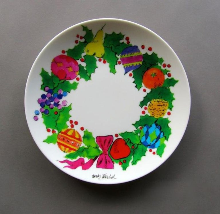 Christmas Wreath Plate after Andy Warhol In New Condition For Sale In Jersey City, NJ