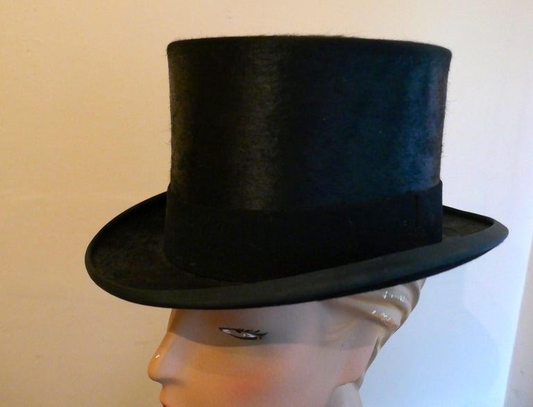 Christy's Of London Top Hat, Evening Wear,Horse Riding, Dressage or Hunting In Good Condition For Sale In Chillerton, Isle of Wight