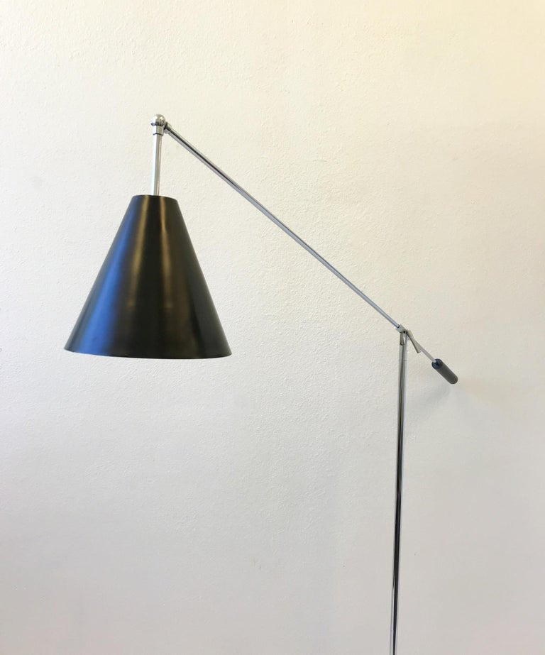 Mid-Century Modern Chrome and Black Lacquered Adjustable Floor Lamp by Robert Sonneman For Sale