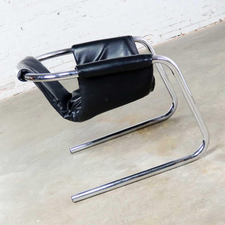 Chrome and Black Vinyl Cantilevered Sling Chair Attributed to Vecta Group, Italy For Sale 2