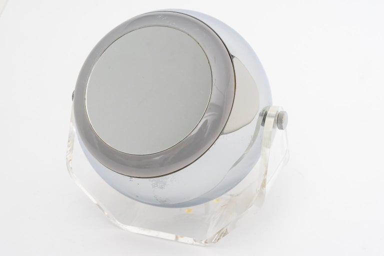 Chrome and Lucite Magnification Mirror In Good Condition For Sale In West Palm Beach, FL
