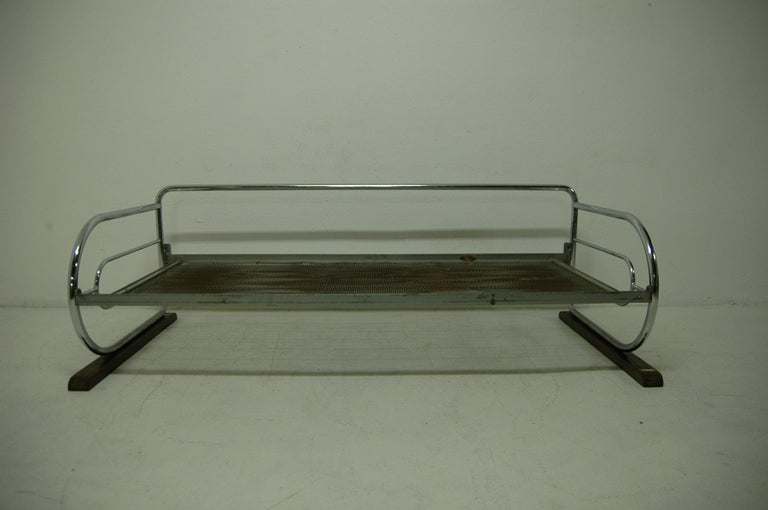 Chrome Bauhaus Sofa by Robert Slezák, Bohemia, 1930s In Good Condition For Sale In Prague 8, CZ
