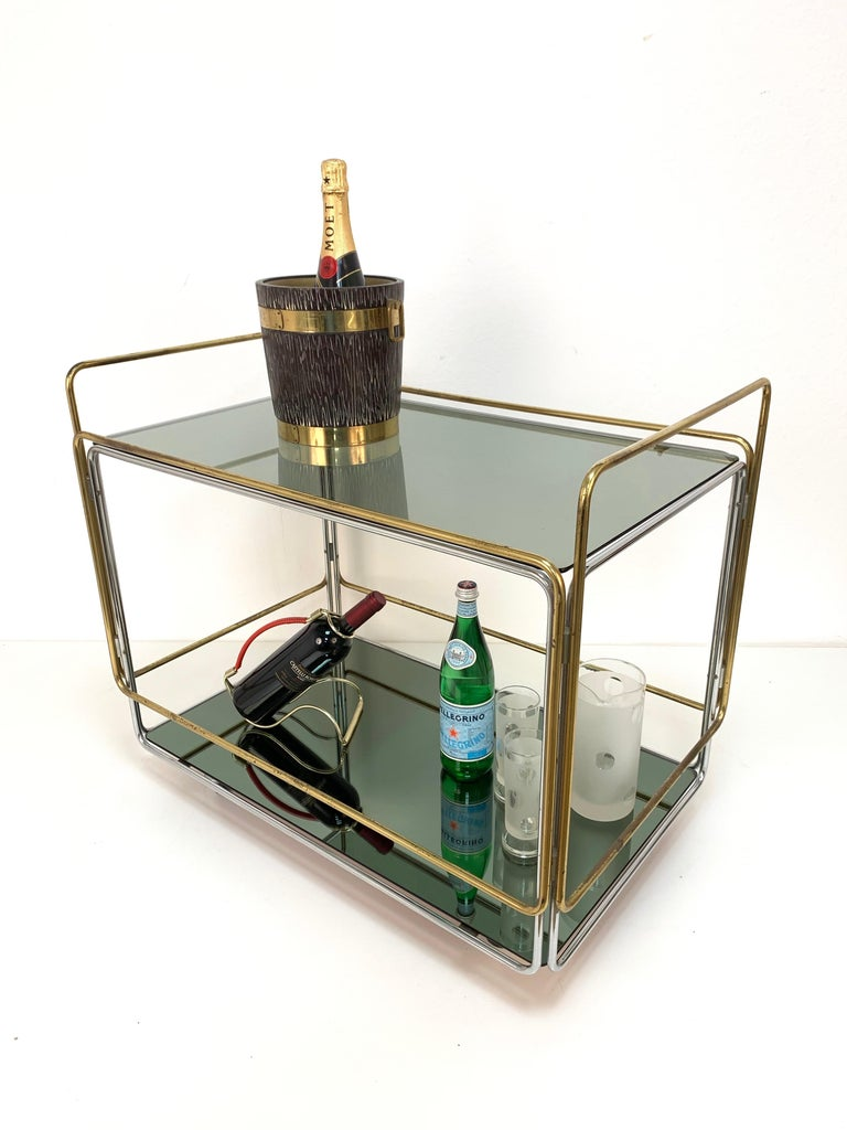 Chrome, Brass, Smoked Glass and Mirror Bar Cart/Serving Table, Italy, 1970s For Sale 10