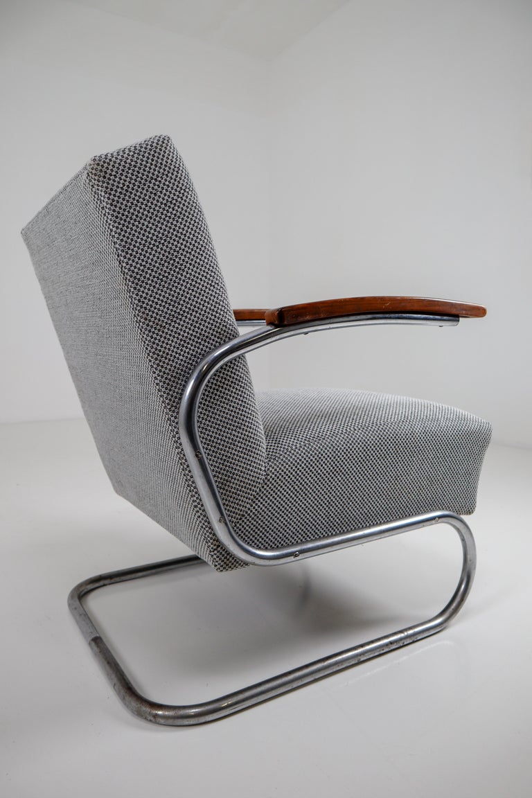Chrome Steel Armchair by Thonet circa 1930s Midcentury Bauhaus Period In Good Condition For Sale In Almelo, NL