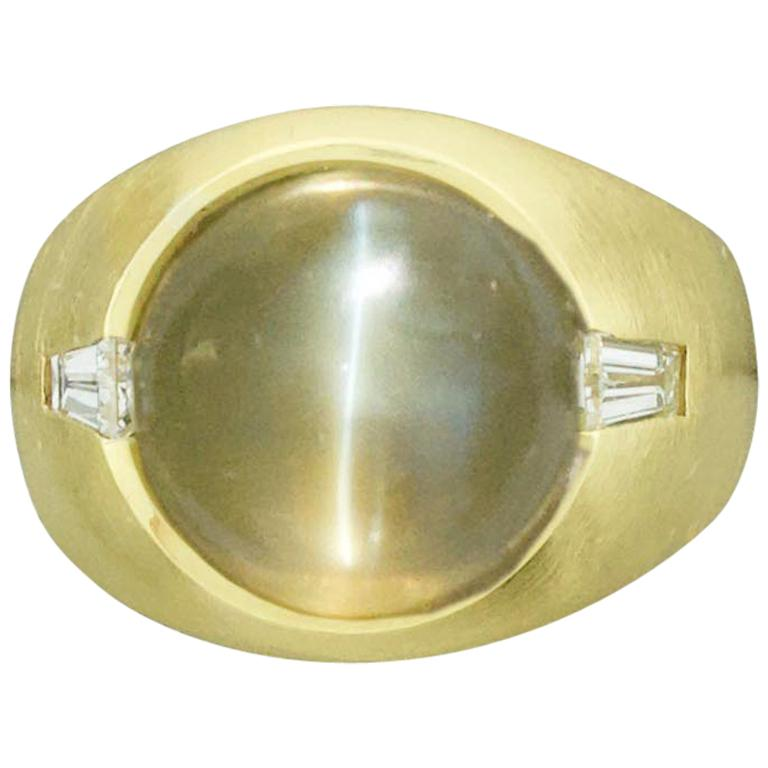 Chrysoberyl Cats Eye 11.10 Carat and Diamond Ring in 18 Karat