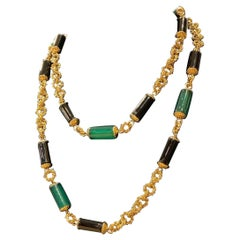Chrysoprase and Onyx Bead Yellow Gold Sautoir Chain Necklace