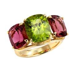 Chunky 5.95 Carat Peridot 6.05 Carat Two-Pink Tourmalines Three-Stone Ring