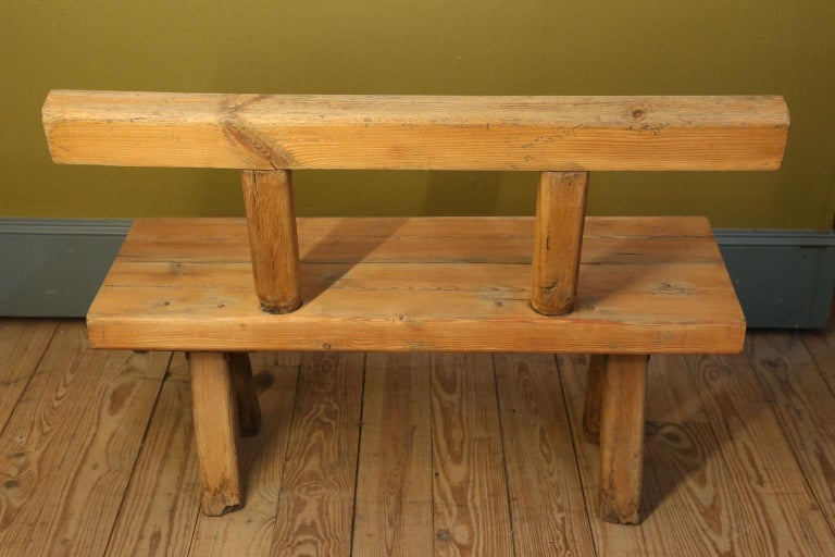 Chunky Oak Rustic Bench with Primitive Hand-Made design  For Sale 2