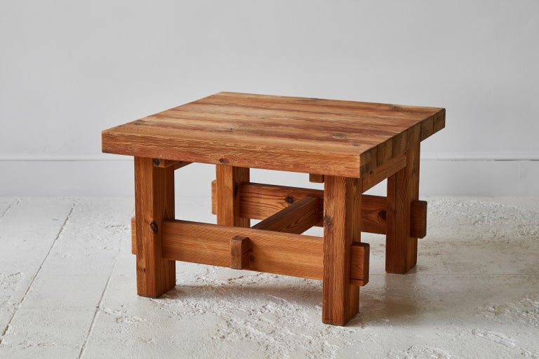 Beautifully constructed chunky pine side table, this table also can work as a coffee table.