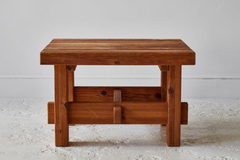 Chunky Pine Side Table In Good Condition For Sale In Los Angeles, CA