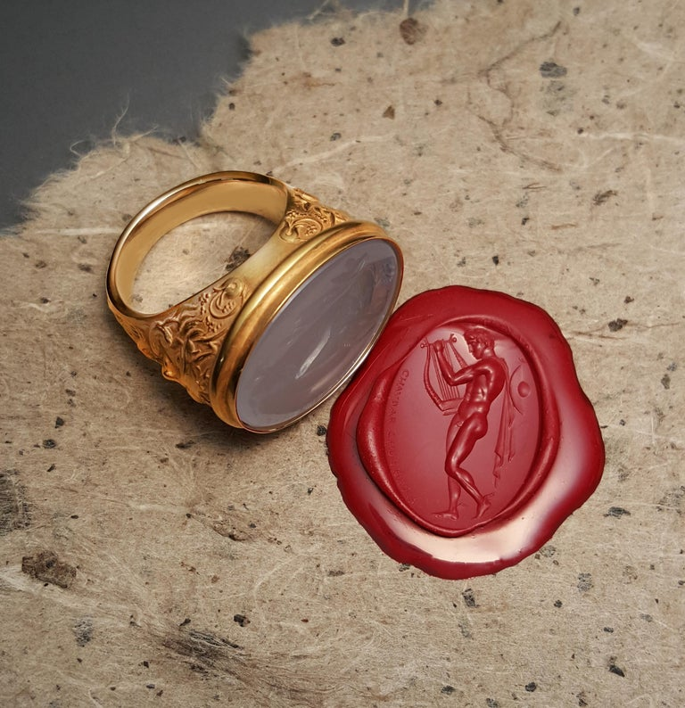Chushev Hermes & Lyre Blue Chalcedony Intaglio Gold Signet Ring In New Condition For Sale In Canoga Park, CA