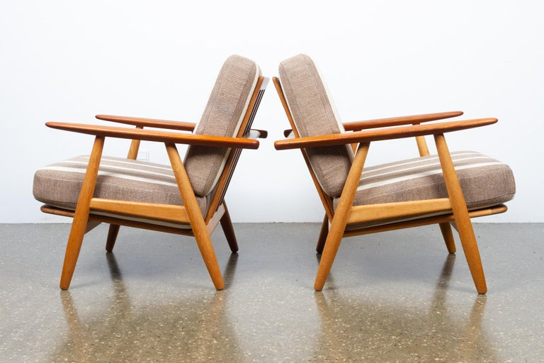 Mid-Century Modern Cigar GE-240 Easy Chairs by Hans J. Wegner 1950s, Set of 2 For Sale