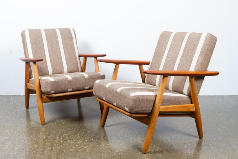Cigar GE-240 Easy Chairs by Hans J. Wegner 1950s, Set of 2 In Good Condition For Sale In Nibe, Nordjylland