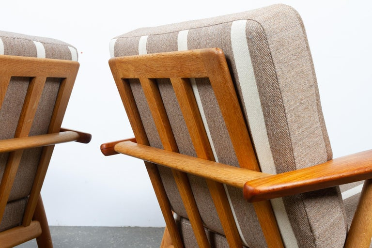 Cigar GE-240 Easy Chairs by Hans J. Wegner 1950s, Set of 2 For Sale 1