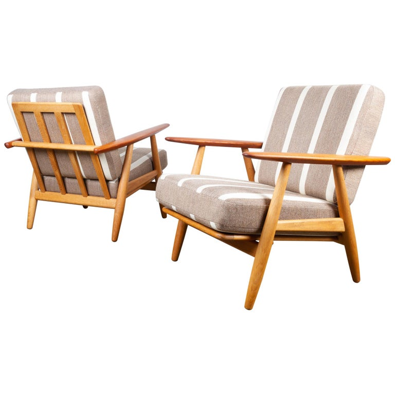 Cigar GE-240 Easy Chairs by Hans J. Wegner 1950s, Set of 2 For Sale